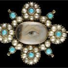 Глаз в ожерелье из жемчуга, necklace of pearls.
